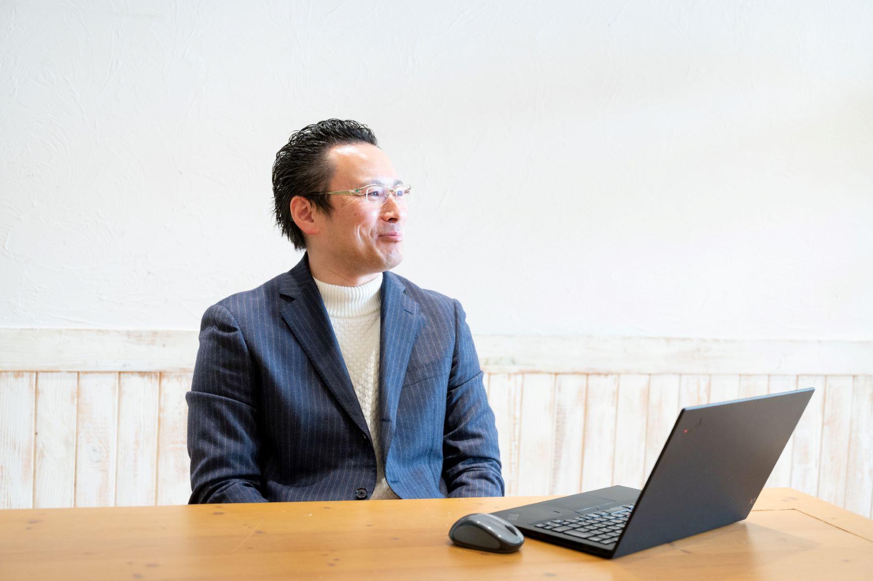 課題発掘から売上達成まで、企業の新規事業を多角的に支援する。Webプロデューサー 清水貴之さん
